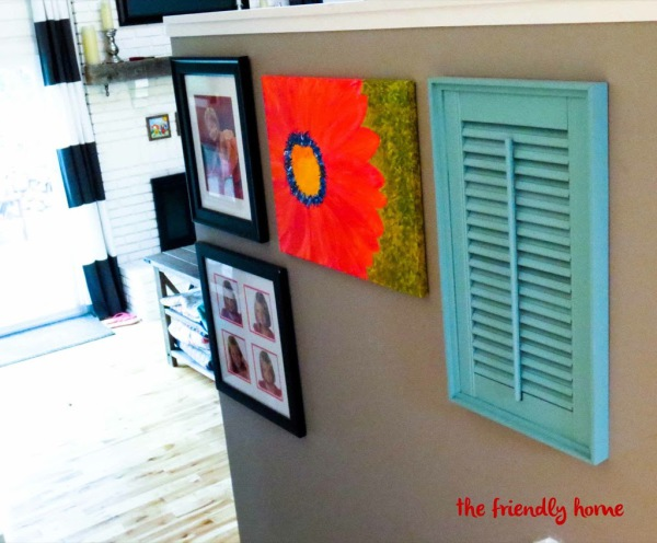 how to cover an air vent with an old shutter (via www.friendly-home.net)