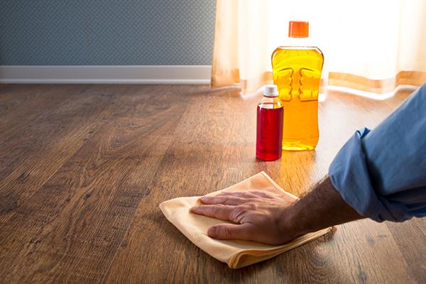 DIY hardwood floor cleaners with different ingredients (via https:)