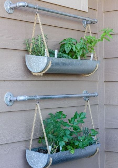 18 easy hanging gardens ideas for outdoors shelterness - Wall mounted planters outdoor ...