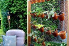 outdoor garden on metal wire is a win-win idea