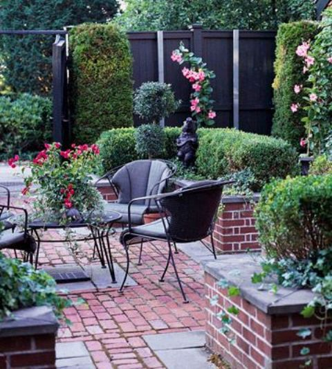 red brick can easily adapt both to formal and informal decor styles