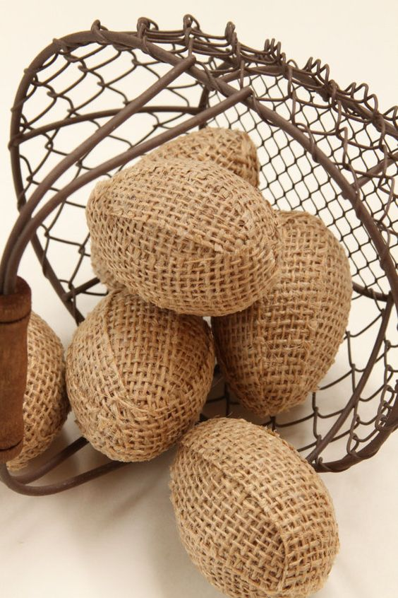 burlap Easter eggs are simple to make yourself