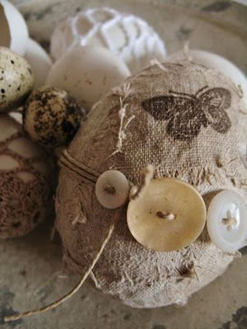 burlap eggs with buttons look messy and cute