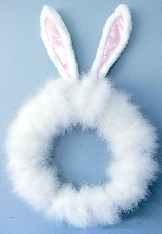 faux fur wreath with ears looks so bunny-like