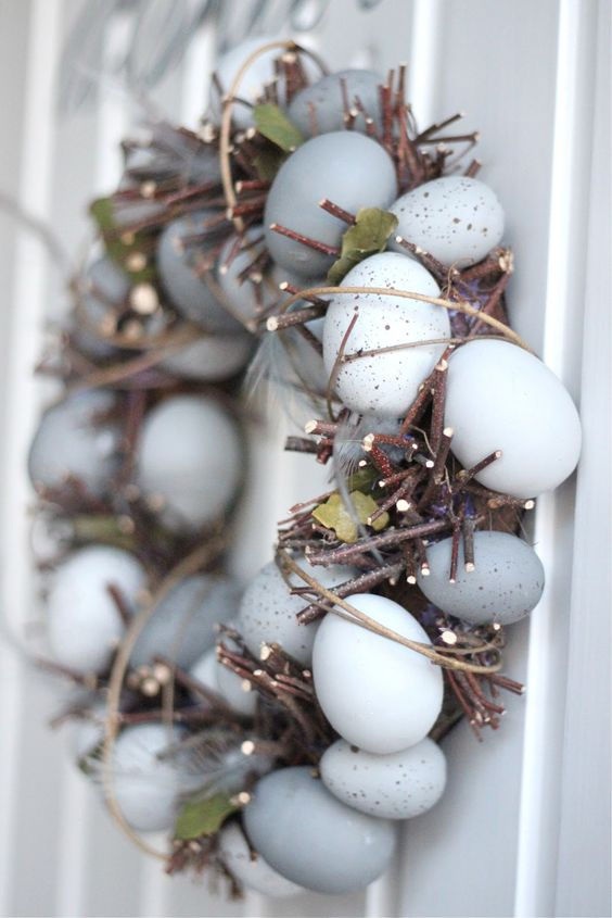 rustic branches and speckled egg Easter wreath