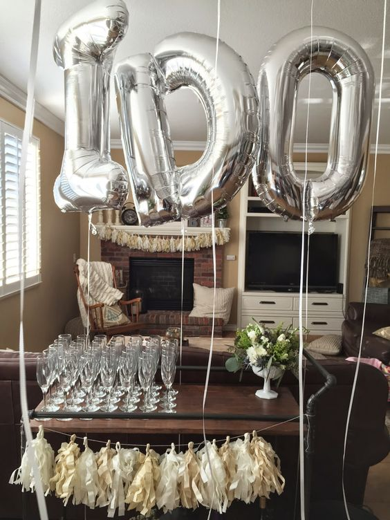 table balloon decor