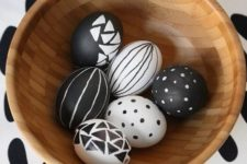 08 graphic black and white Easter eggs