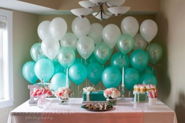 ombre balloon backdrop for the dessert table
