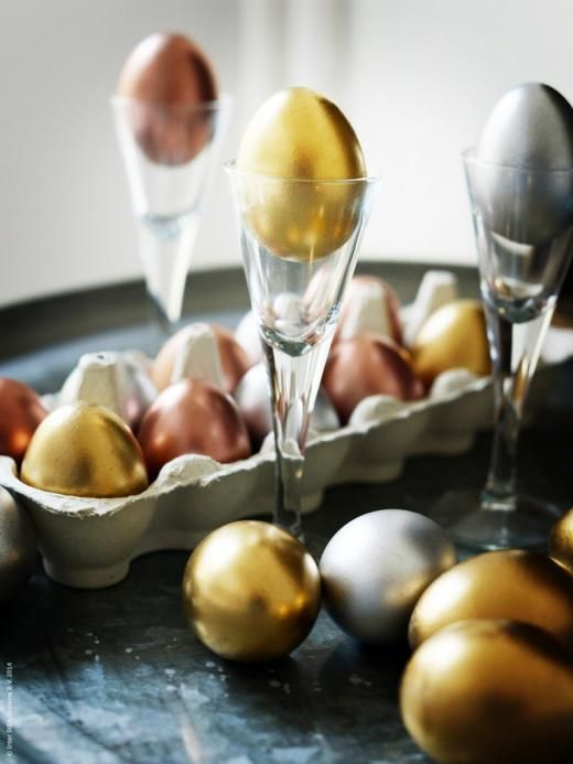 metallic Easter eggs in gold, copper and silver