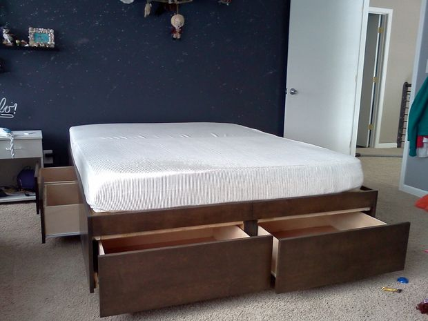 Vintage DIY simple platform bed with storage drawers via instructables