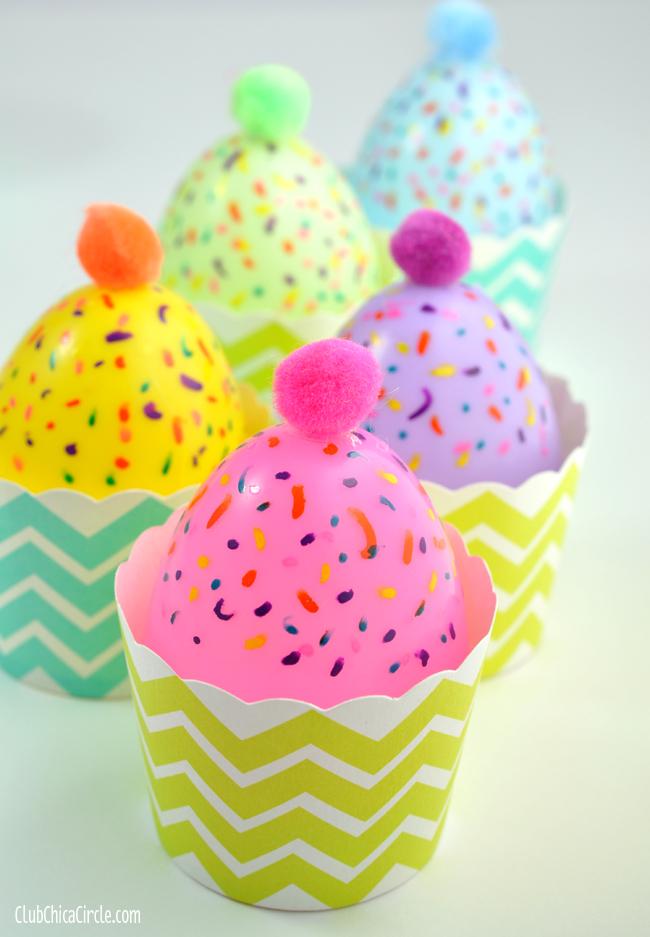 DIY plastic egg cupcakes for kids to play (via club.chicacircle.com)