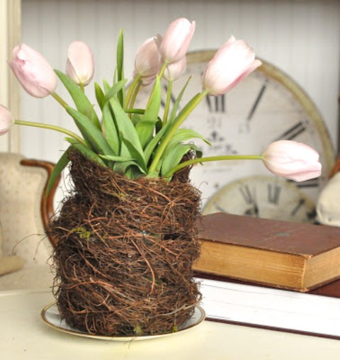 DIY bird nest vase centerpiece (via www.shelterness.com)
