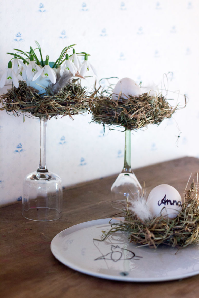 12 cute diy bird nest decorations for easter shelterness for Decoration table pour paques
