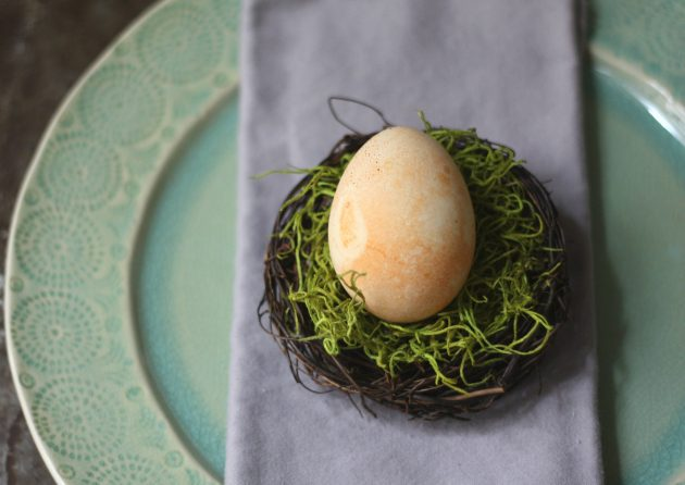 DIY natural mini nests with eggs