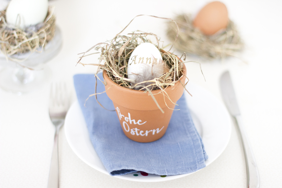 DIY Easter place card holders in pots