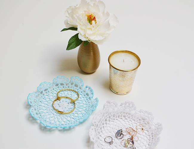 DIY doily jewelry bowls