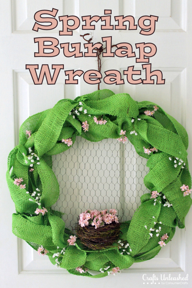 DIY bold green burlap wreath with flowers (via blog.consumercrafts.com)