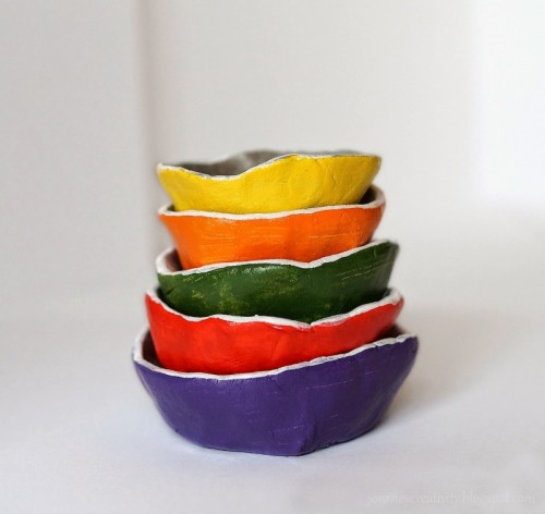 DIY colorful air dry clay jewelry dishes (via www.shelterness.com)