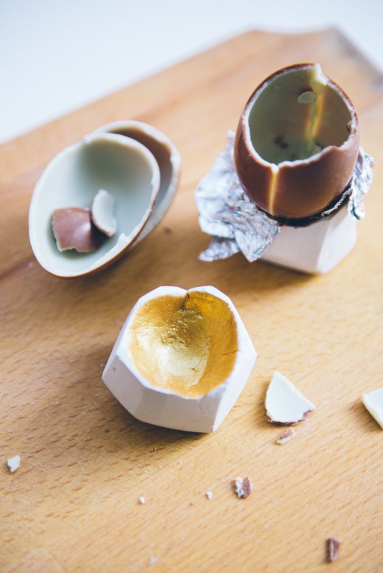 DIY faceted gold foil egg cups (via kittenhood.ro)