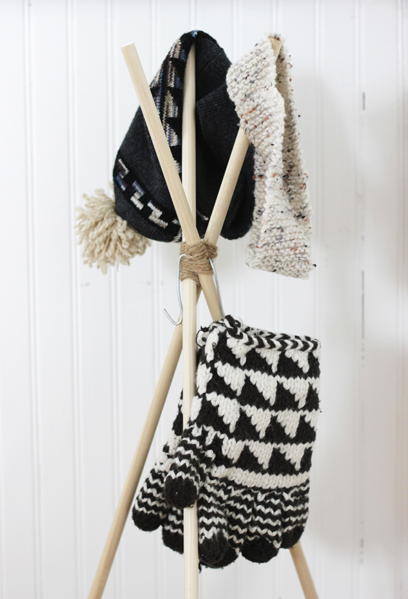 DIY standing hat rack (via sayyes.com)