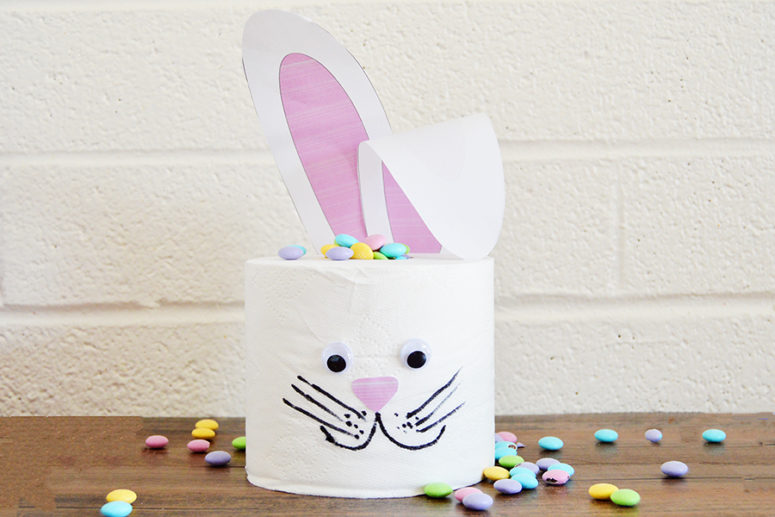 DIY toilet paper bunny centerpiece (via homanathome.com)