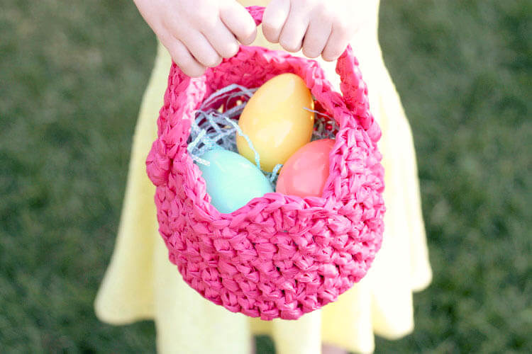 DIY plastic crocheted Easter basket