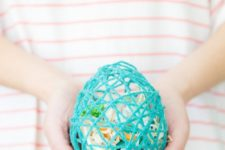 DIY surprise Easter egg from colorful yarn
