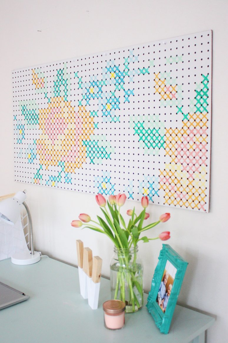DIY painted criss cross stitch art (via prettylifegirls.com)