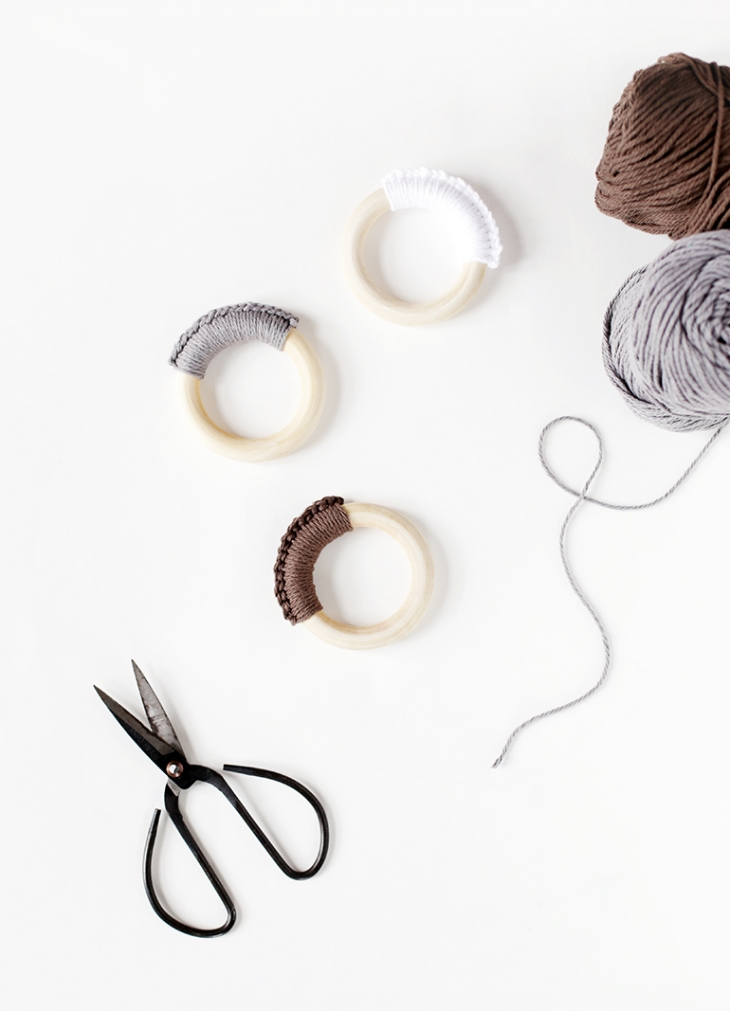 DIY crochet teething rings (via themerrythought.com)