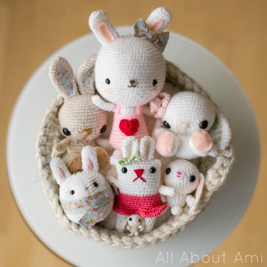 DIY Easter amigurumi bunnies (via www.allaboutami.com)