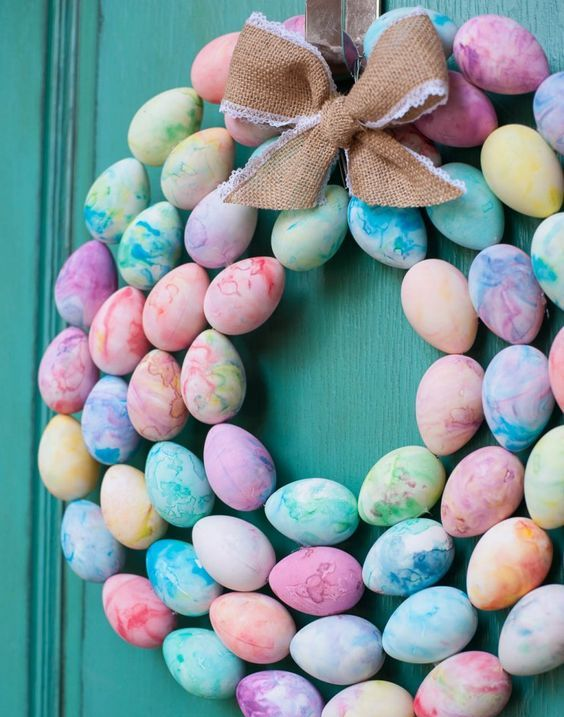 marbled Easter egg wreath with a burlap bow