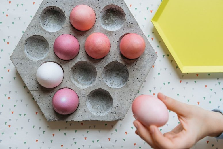 DIY Easter hexagon concrete egg tray (via kittenhood.ro)