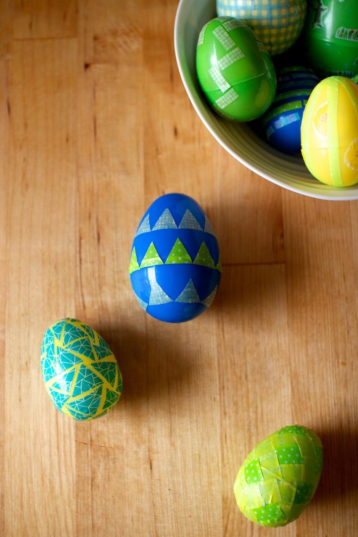 DIY washi tape Easter egg decor (via gifthorseandco.com)