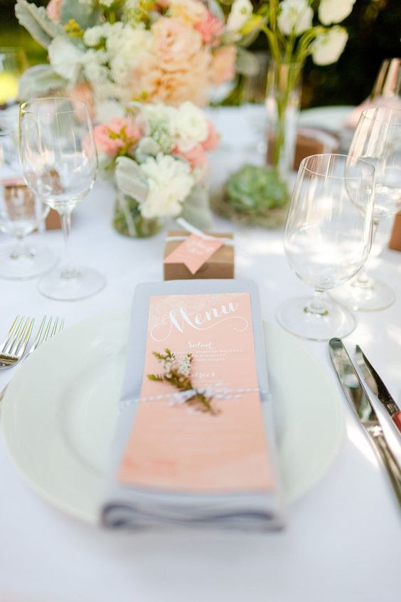 soft lavender color and blush details are amazing for a spring table