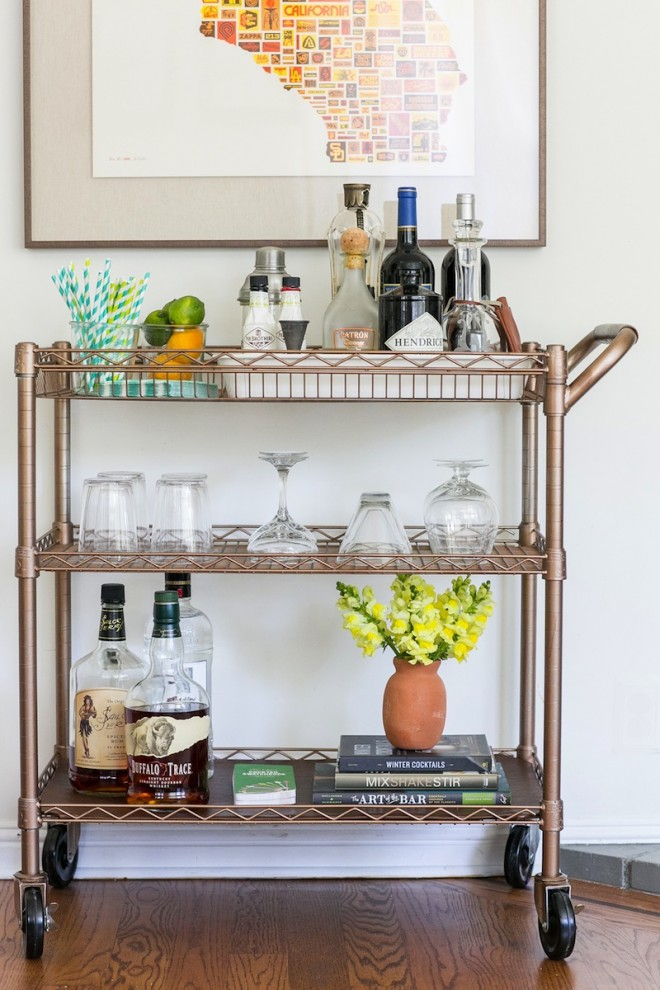 DIY copper and leather bar cart (via theeffortlesschic.com)
