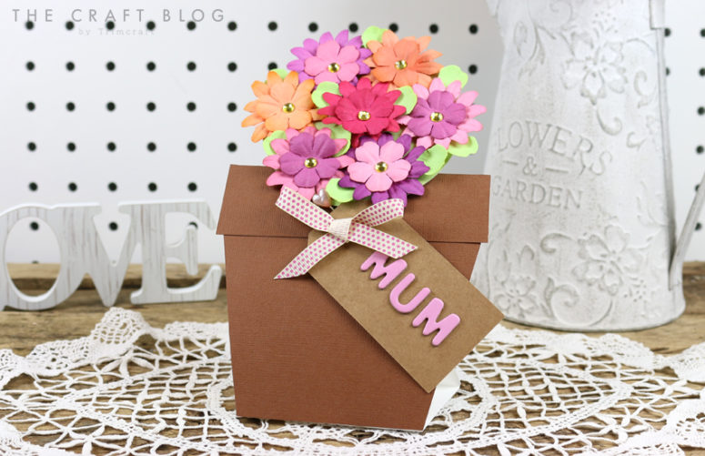 DIY pot with flowers for Mother's Day (via https:)