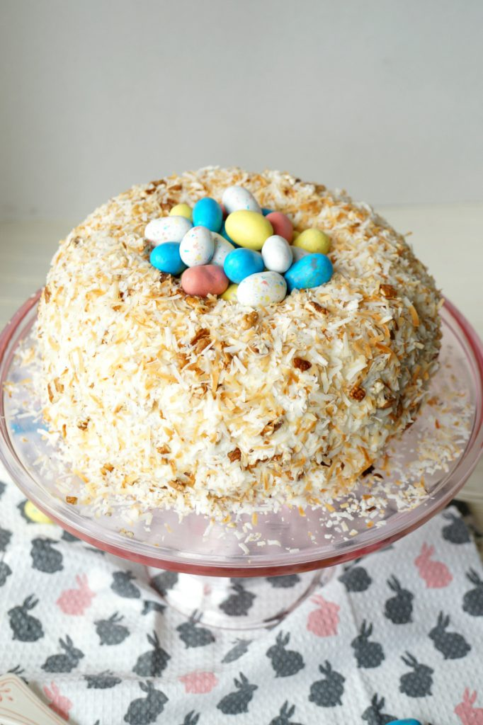DIY Easter nest Italian cream cake (via www.thebakingfairy.net)