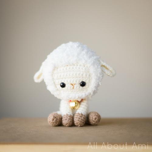 DIY amigurumi little sheep (via www.allaboutami.com)