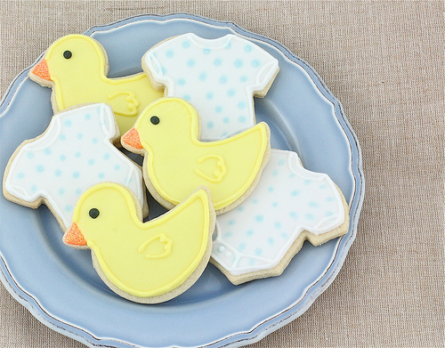 DIY onesie and duckie cookies (via www.madewithpink.com)