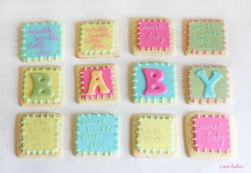 DIY bold iced cookies (via iambaker.net)
