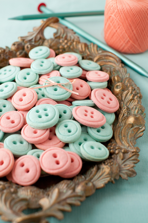 DIY vanilla button cookies (via www.melangery.com)