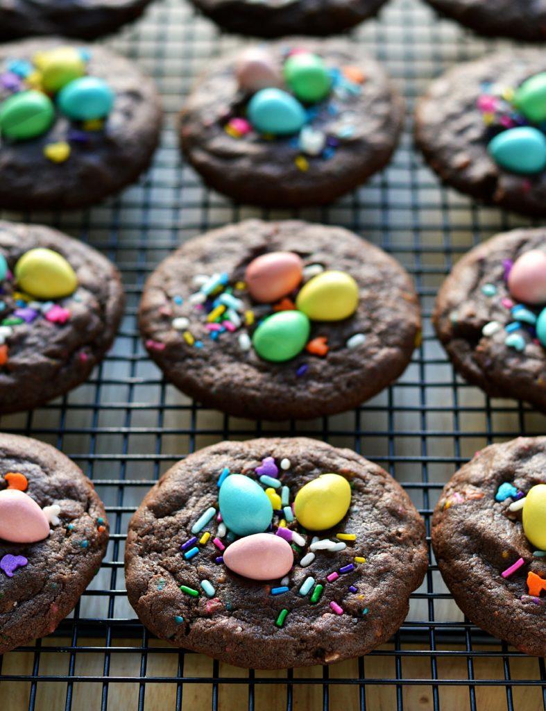 DIY Easter sprinkle cookies