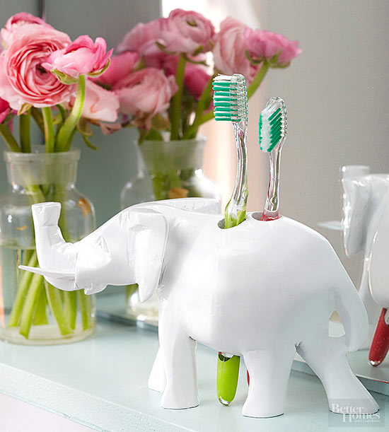 DIY quirky animal toothbrush holder (via www.bhg.com)