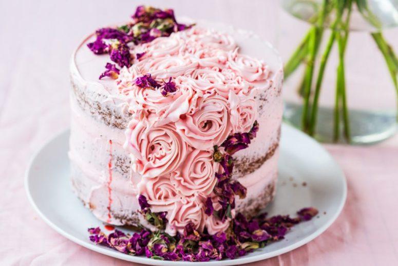 DIY rose pistachio cake (via https:)