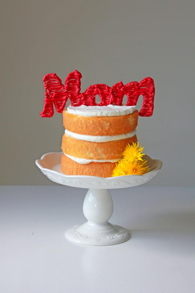 DIY 'Just For Mom' cake (via ohsweetday.com)