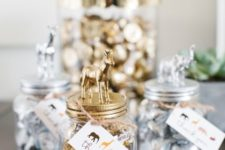 08 Hershey's kisses in jars with metal-finished animals on top