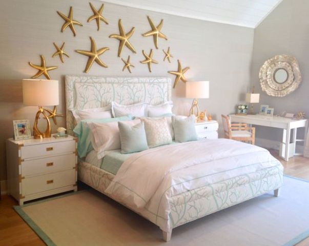 gold starfish art on the wall for an under the sea bedroom