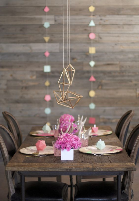 copper metal pendants and matching dimensional garlands and place card holders