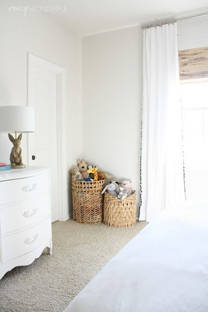 20 cozy basket storage ideas for every home shelterness for Hampers for kids rooms