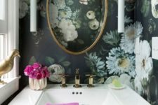 15 refined moody wallpaper for a vintage bathroom to give it a chic look